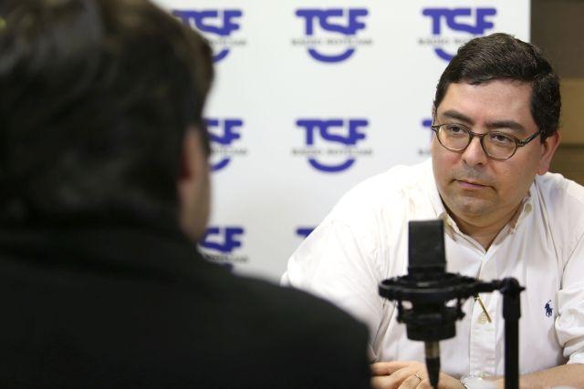 Lisboa, 02/04/2014 - Entrevista Dinheiro Vivo / TSF : Tudo é economia com Pedro Pita Barros